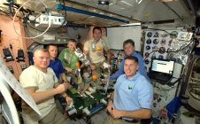 Proxima - repas de Thanksgiving à bord de l'ISS